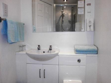 En-suite accommodation at Kenilworth Guest House in Weston-super-Mare